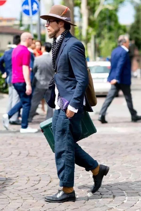 男生夏日职场怎么穿_得体大方又年轻态的穿衣搭配3.jpg