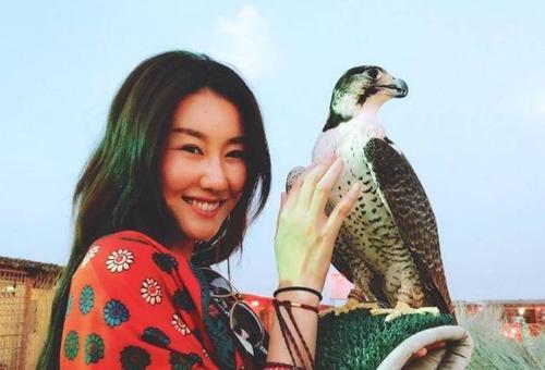 王宝强和女友冯清同框现身 宝强要再婚了吗