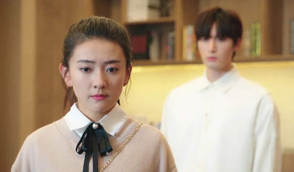不说谎恋人第11集剧情介绍 李哲中止了大圣与 方圆的合作 让方圆公司陷入困境