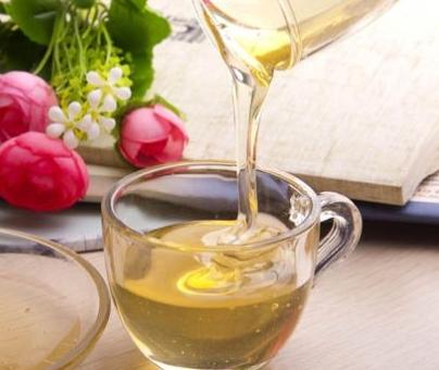 喝蜂蜜可以丰胸吗?多喝蜂蜜居然有丰胸的效果