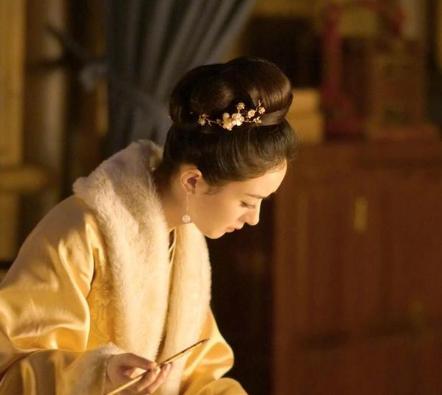 赵丽颖双提名 最佳观众喜欢女演员