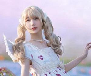 赞美女朋友的照片漂亮 你的秀发堪比青翠的柳丝