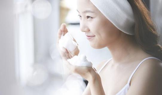 女孩子怎样护肤最好?这四点一定要做好