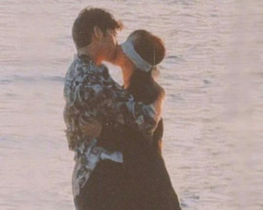 杨紫井柏然海边吻戏路透 画面唯美电影感足