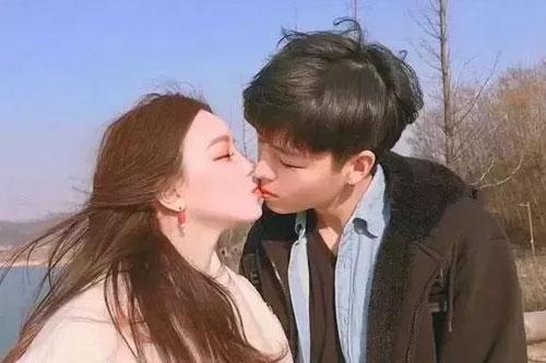 处对象第一次怎么接吻