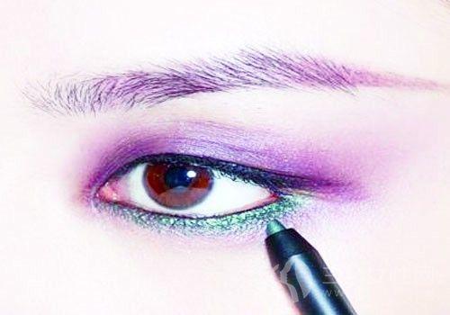 烟熏妆的正确画法是什么 紫色烟熏妆怎么化