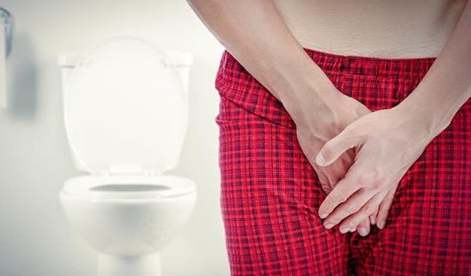男人憋尿的害处太大了小心影响生育!