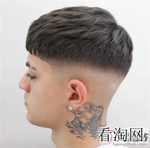 男生发型流行这款 三分区发型帅翻了