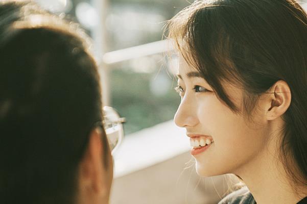年轻人情侣聊天话题
