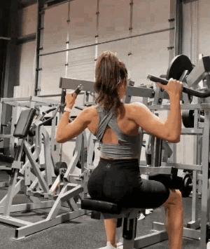 女生练背的健身动作 美背生成倒计时开始