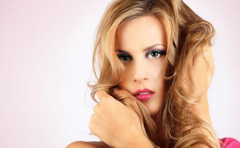 更换洗发水解决春日头发问题