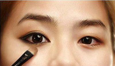 新手化妆小技巧_掌握技巧化妆没有那么难1.jpg