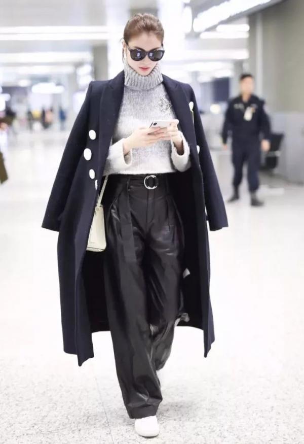 灰色毛衣搭配什么裤子好看_灰毛衣搭配什么裤子5.jpg
