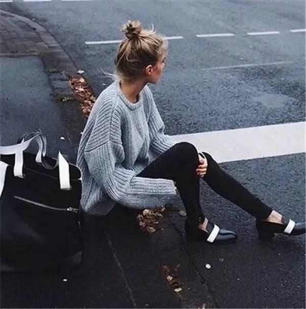 灰色毛衣搭配什么裤子好看_灰毛衣搭配什么裤子4.jpg