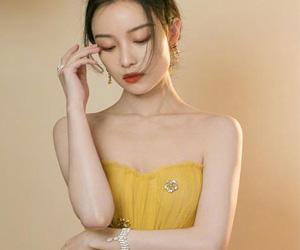 """倪妮黄色长裙 真正的明艳""""冻""""人"""