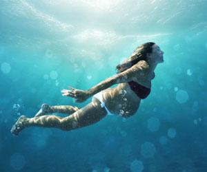 唐艺昕孕期游泳你羡慕吗?教你孕妇游泳的注意事项