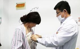 丰胸手术的副作用 五大危害平胸MM要注意了