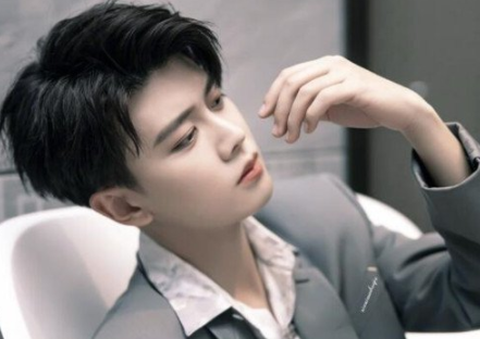男生心形刘海发型 塑造帅气型男范