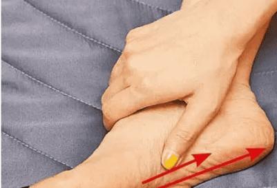 水肿腿怎么瘦 瘦腿消水肿全套按摩法帮你瘦成筷子腿