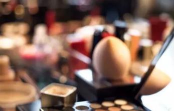 """继""""口红年""""后,眼影是否能造就新的美妆产品里程碑"""
