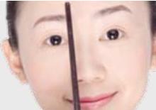 眉毛的黄金比例画眉法