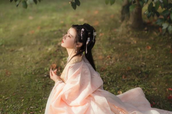 很甜很撩的古风句子撩男生 江海不渡你,我渡