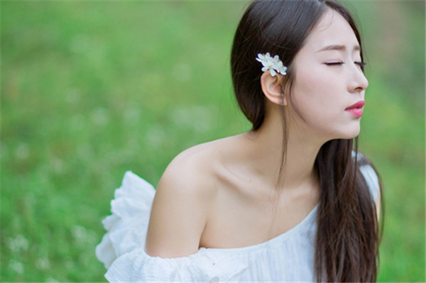 适合发女儿照片的句子 你的可爱治愈一切的不可爱