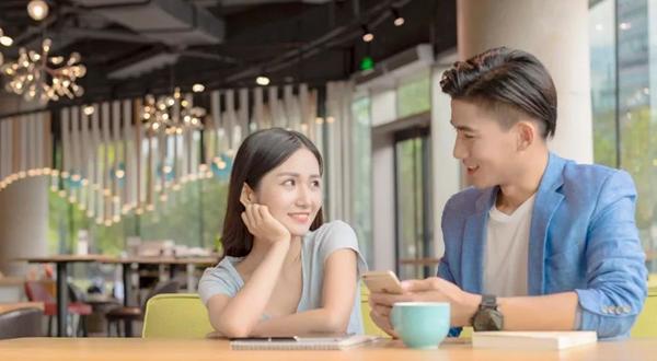 和女生初次约会聊什么话题好-第一次跟女生约会聊天话题汇总