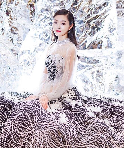 宋轶水纹长裙