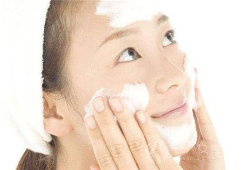 哪些护肤误区容易让人变老 很多人经常做