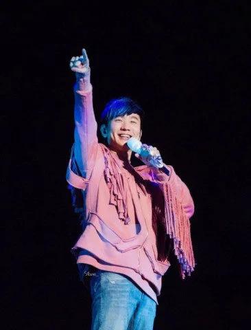 林俊杰蓝发造型