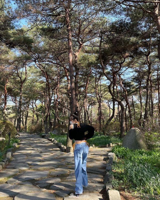 Jennie春游照