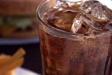 减肥期间绝对不能喝的三种饮料