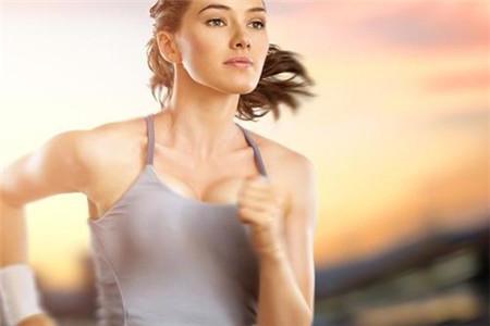 秋季慢跑减肥注意做好四件事