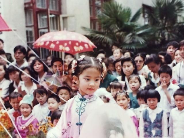刘亦菲童年表演照 从小就灵气十足