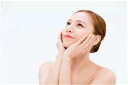 女人脸上容易出油用四个方法改善