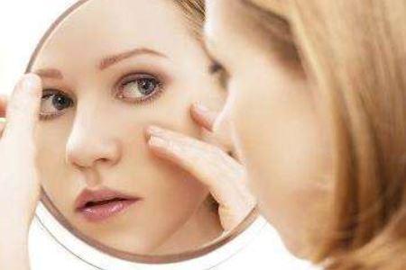 生理期皮肤差的三个护理方法