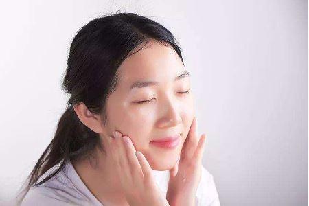 中年女人的三个护肤方法
