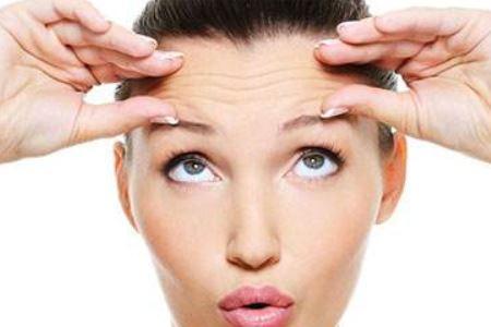 女人改善抬头纹三个的方法