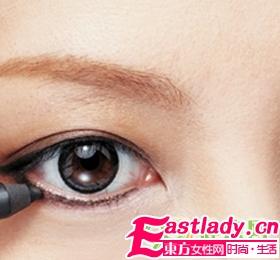 让你小眼变大眼眼线画法