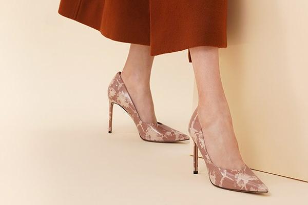 女鞋时尚搭配