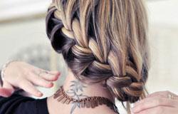 麻花辫发型
