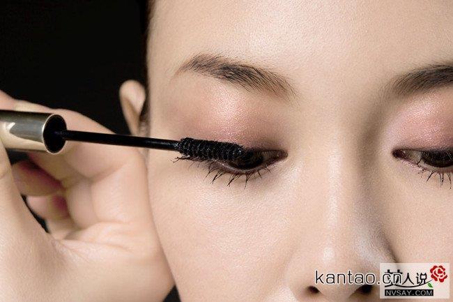 生活妆的画法及步骤 简单甜美的生活妆让你看起来更养眼